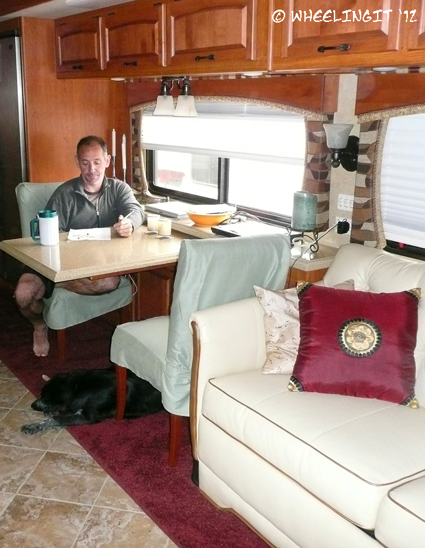 4 tips for creating instant indoor rv coziness wheeling it - Trailer bedroom ideas ...