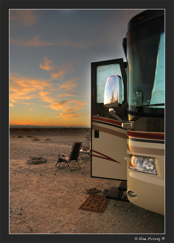 No need to book here, baby -> boondocking on BLM land outside of Yuma, AZ