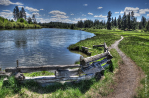 The lovely Deschutes River Trail down by Dillon Falls area