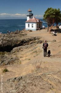 Paul and Polly hike down to Lime Kiln Point Lighthouse
